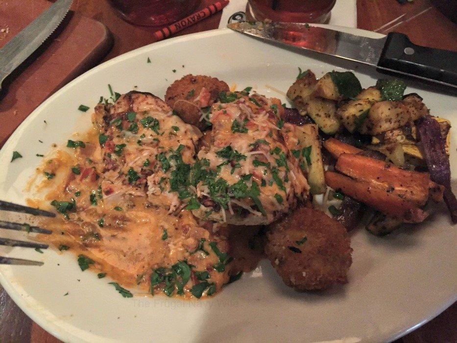 Claim Jumper Restaurant – Nashville, Tennessee Chicken