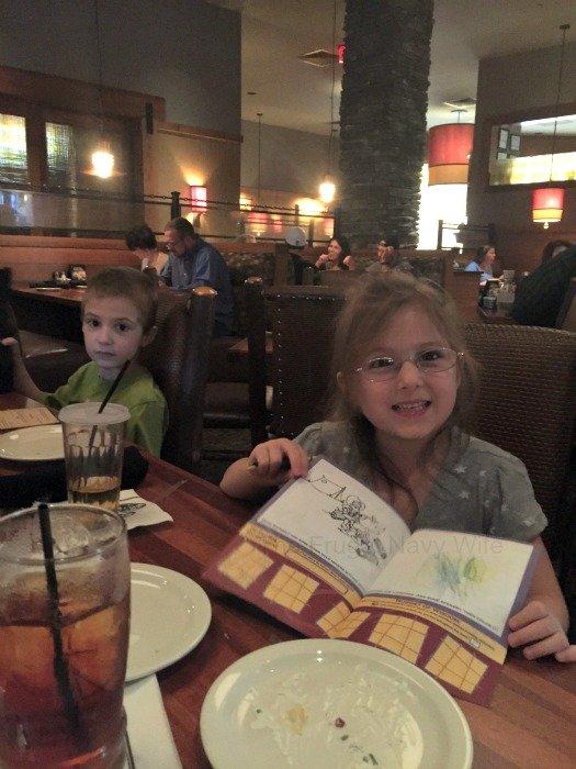 Claim Jumper Restaurant – Nashville, Tennessee Wall