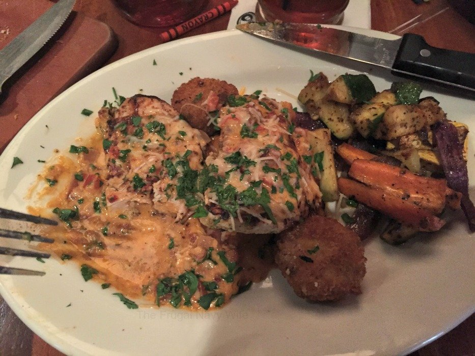 Claim Jumper Restaurant – Nashville, Tennessee Chicken
