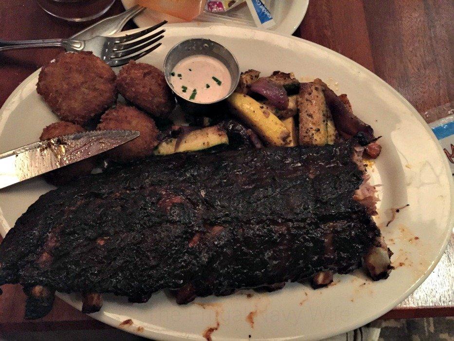 Claim Jumper Restaurant – Nashville, Tennessee Ribs