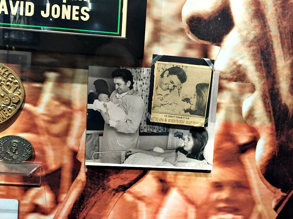 Johnny Cash Museum – Nashville, Tennessee Birth