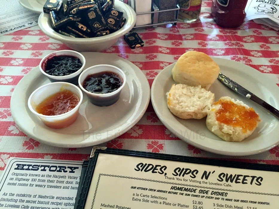 The Loveless Café – Nashville, Tennessee Biscuits