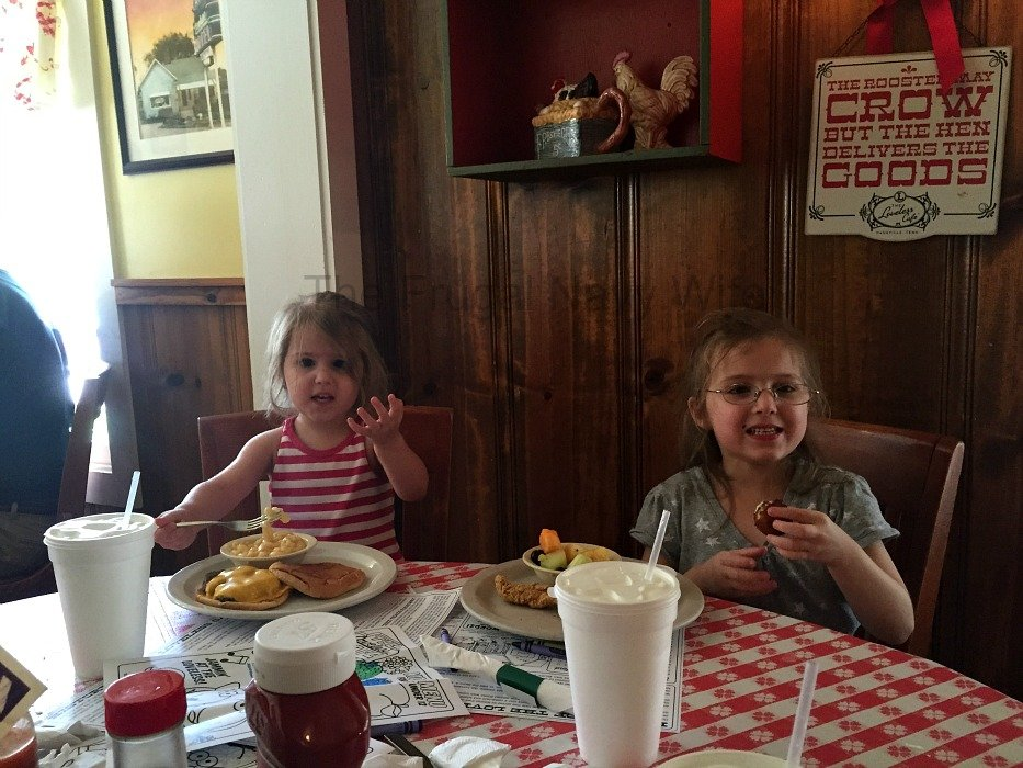 The Loveless Café – Nashville, Tennessee Girls Kid Food