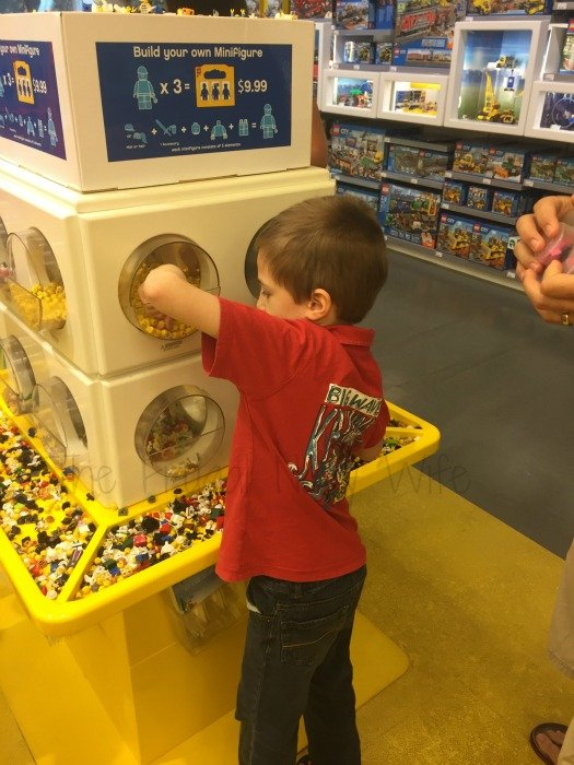 Lego Store – Nashville, Tennessee Build Your Own Men