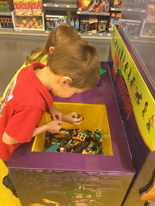 Lego Store – Nashville, Tennessee Scooby Doo Set