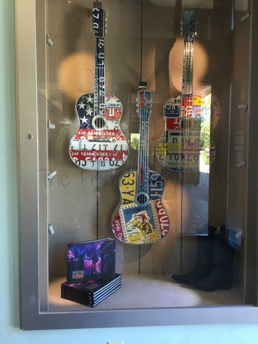 Grand Ole Opry – Nashville, Tennessee Guitars
