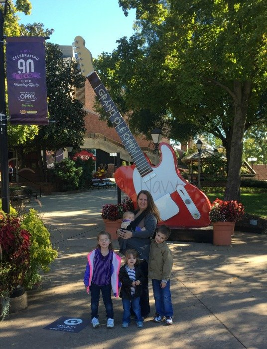 Grand Ole Opry – Nashville, Tennessee guitar