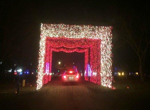 Yogi Bear RV Resort Christmas Light Show – Nashville, Tennessee Red and White Tunnel