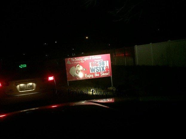 Yogi Bear RV Resort Christmas Light Show – Nashville, Tennessee Santa Sign