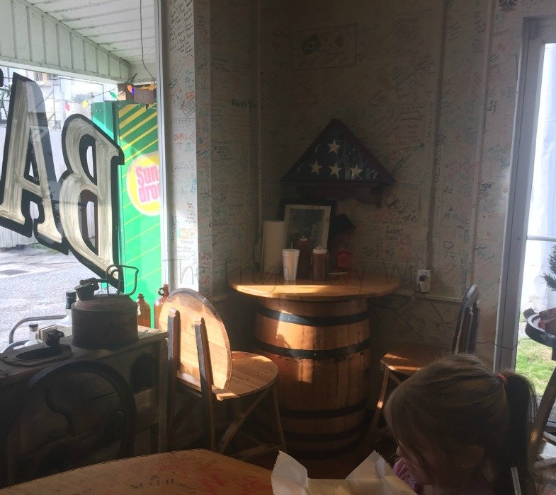 Barrel House BBQ – Lynchburg, Tennessee Corner Table