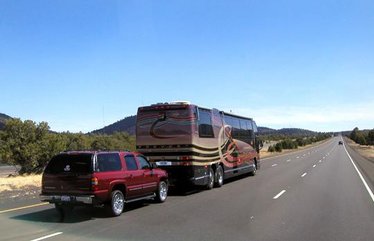 Towing-a-car-behind-an-Rv