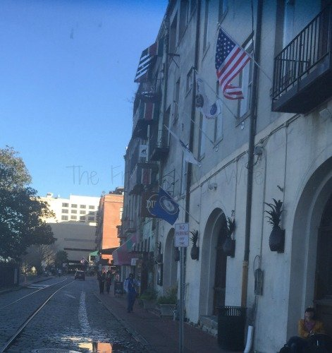 Touring Historic Downtown Savannah Georgia and Lunch at the Pirate House Rive Street