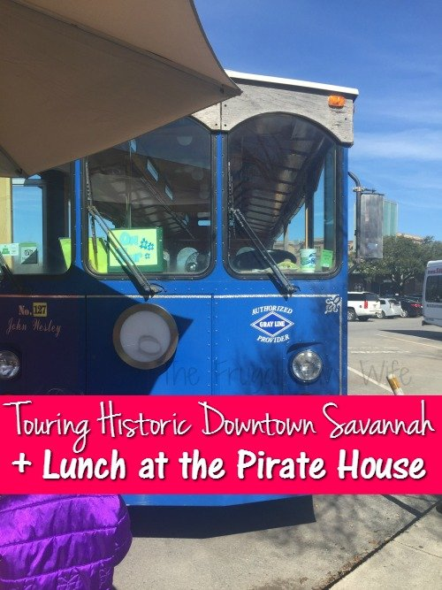 Touring Savannah Historic District + Lunch at the Pirate House