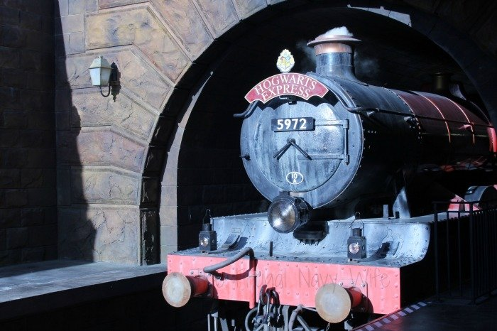 Make the Most Out of a Family Trip to Universal Studios Islands of Adventure Theme Park Hogwarts Express