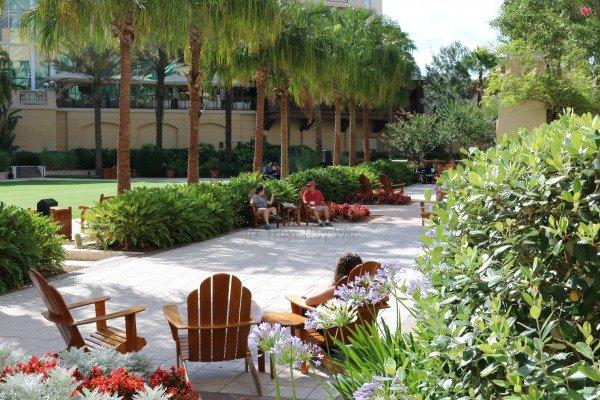 Gaylord Palms Hotel in Orlando Florida Lawn
