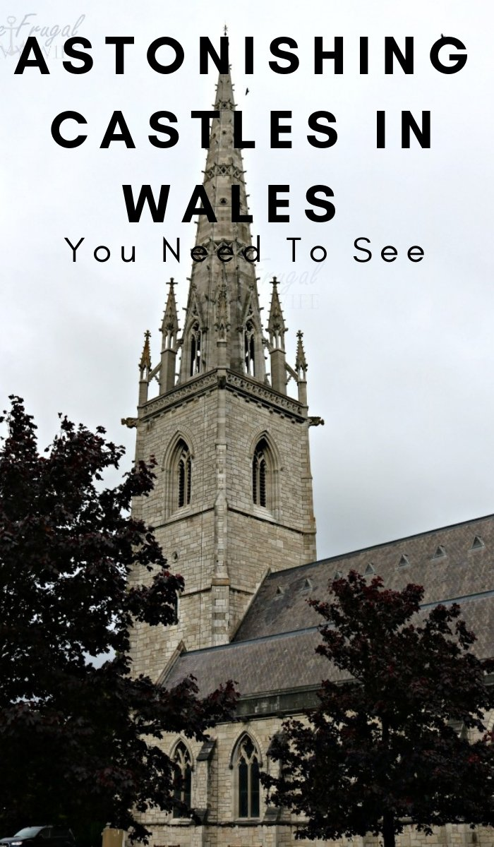 Visiting Wales in the United Kingdom is an experience unlike any other. There are over 400 castles in the country. Here are some to not miss out on. #wales #castles #bucketlist #wanderlust #tralveler #ourroaminghearts | Visiting Wales | Castles in Wales | Bucket List | United Kingdom Travel