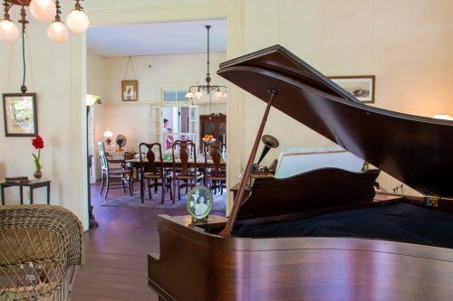 Edsions Piano Room